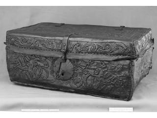 Сундук с тиснением. Испания 17 век