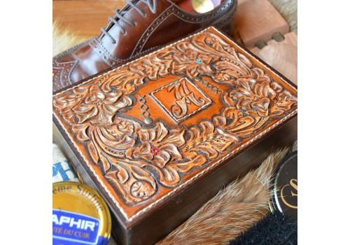 Барокко стиль ларец под обувную косметику ручной работы с вензелем под заказ
